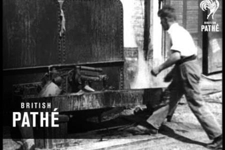 Embedded thumbnail for British Pathé - Raisin' Resin en 1935